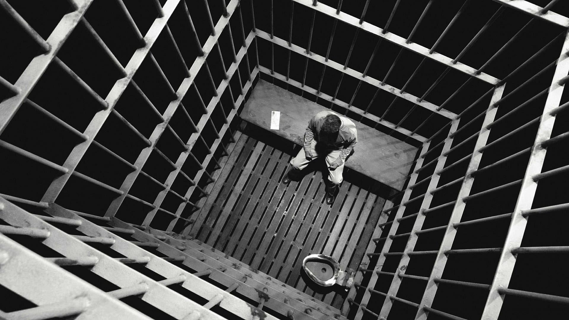 Секс тюремный видео hd навел